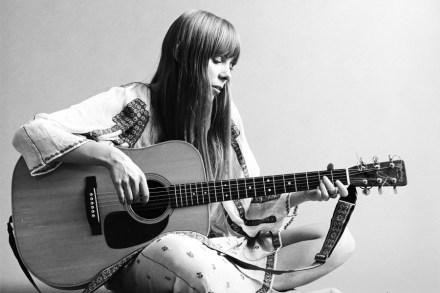 Joni Mitchell: 10 Essential Tracks – Rolling Stone