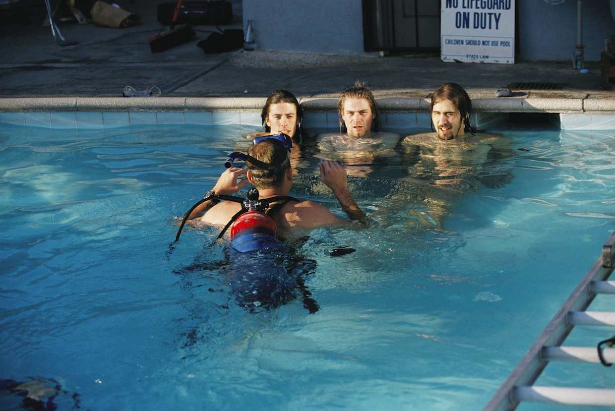 Inside Nirvana S Nevermind Pool Party 25 Years Later Rolling Stone