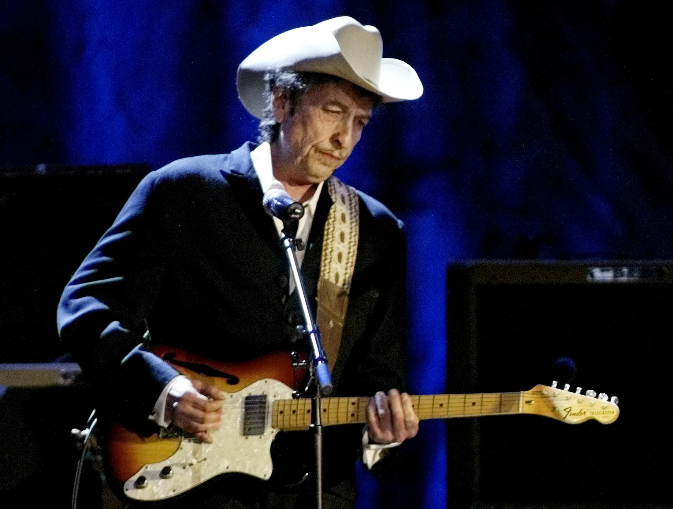 Review: Bob Dylan's 'Triplicate' Exudes, Celebrates a Majestic Darkness