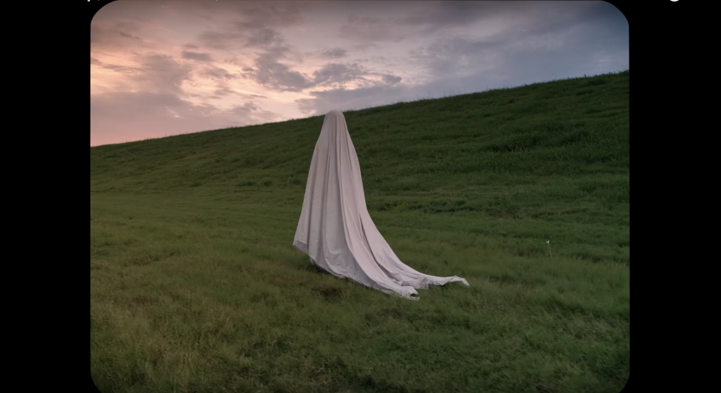 Peter Travers: 'A Ghost Story' Is Mesmerizing Take on Life