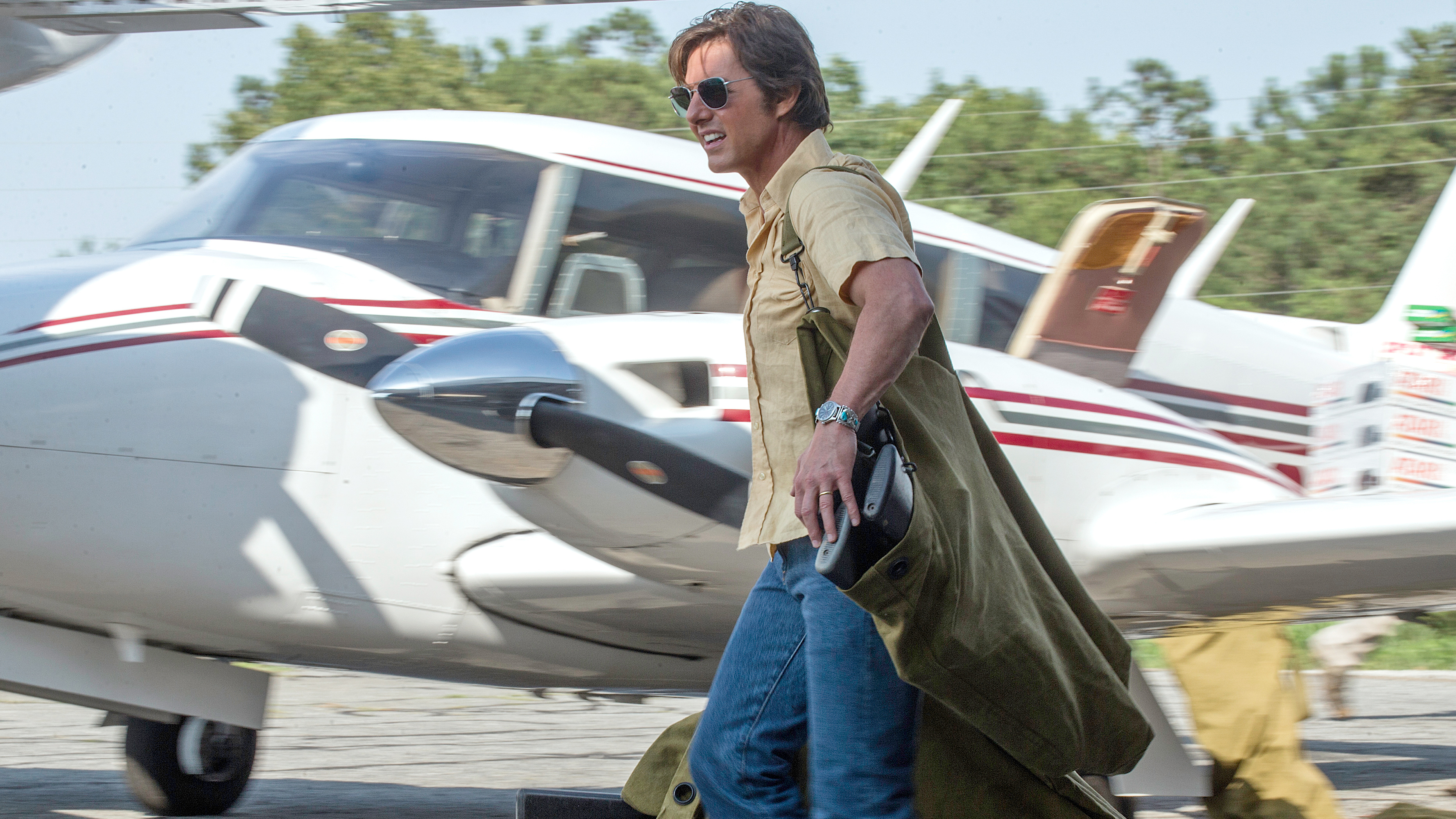 Peter Travers: 'American Made' Is Stuck on Cruise Control ...