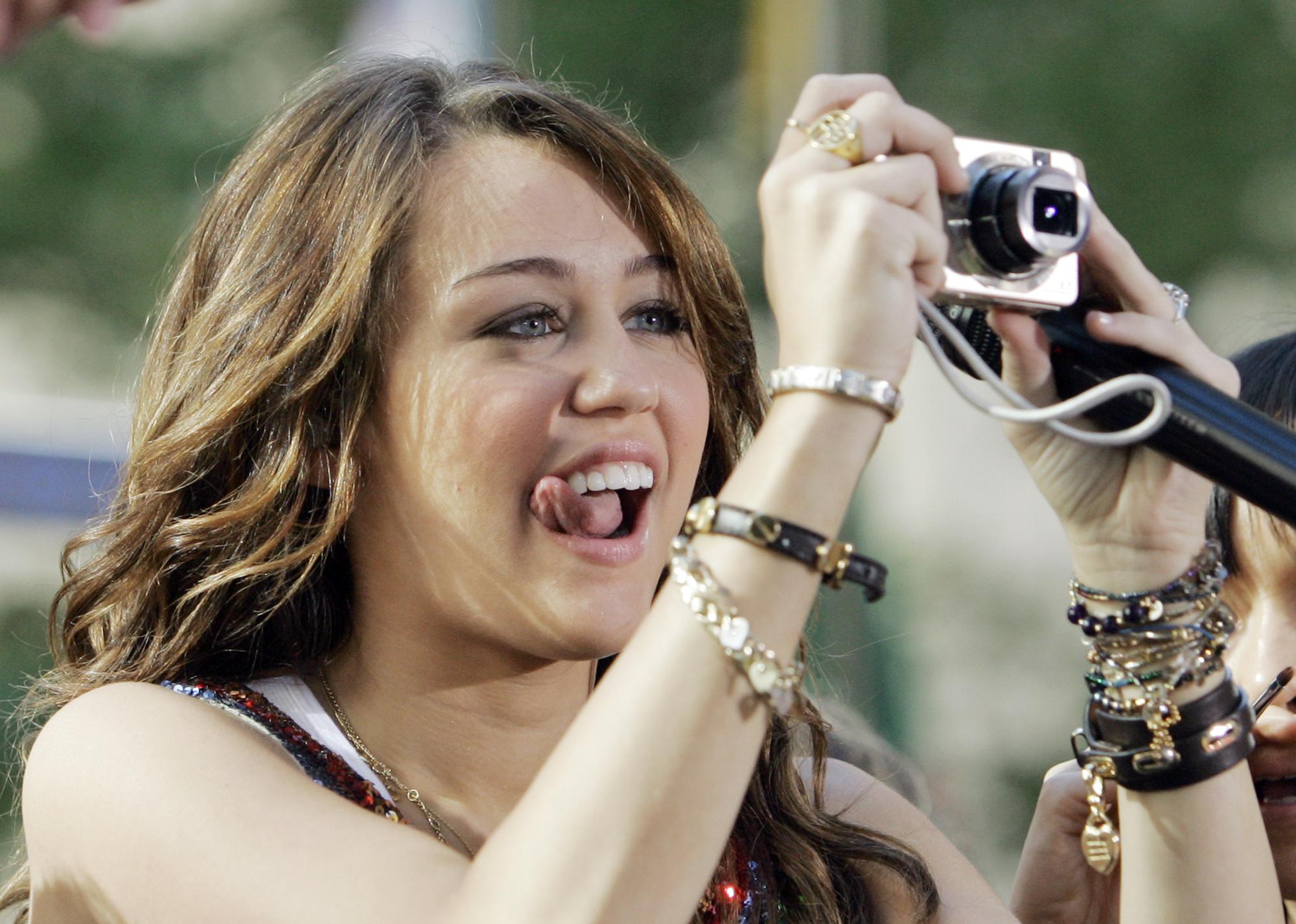 Hacked Miley May nude (54 foto and video), Topless, Sideboobs, Instagram, underwear 2020