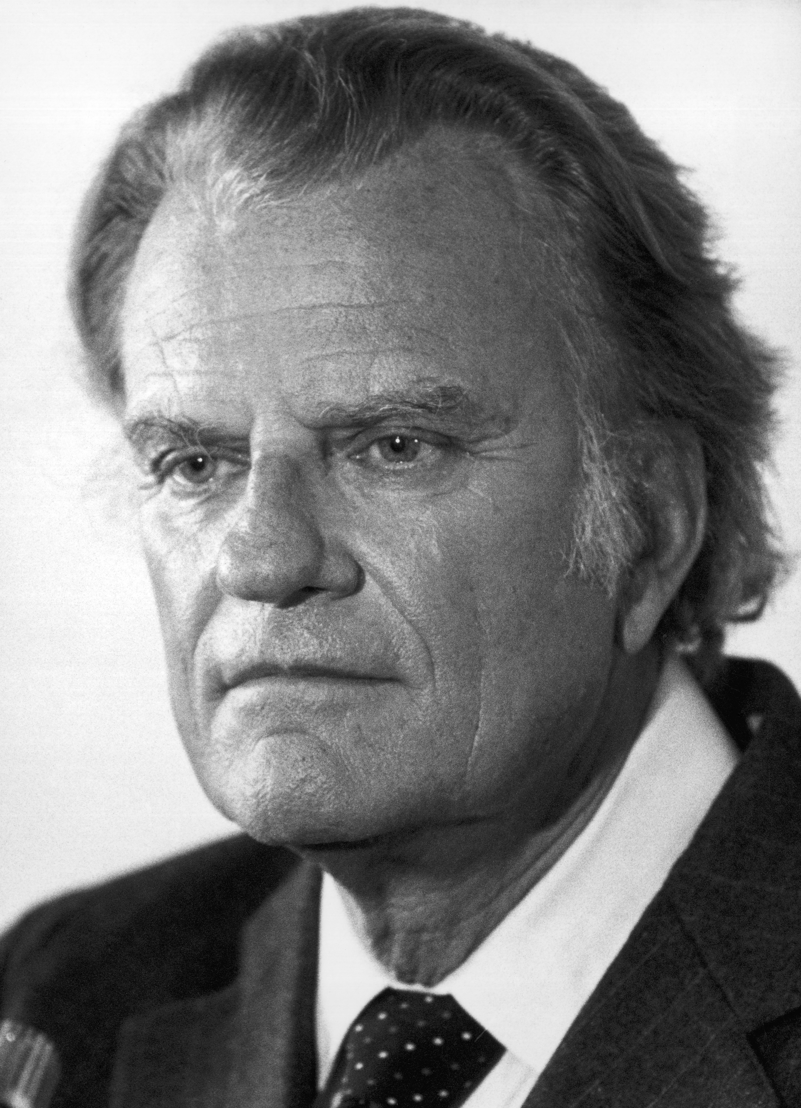 graham catholic singles After rev billy graham's death at the age of 99, pastors, authors and faith leaders alike remembered the evangelist as someone with great humility and a passion for the bible's teachings.
