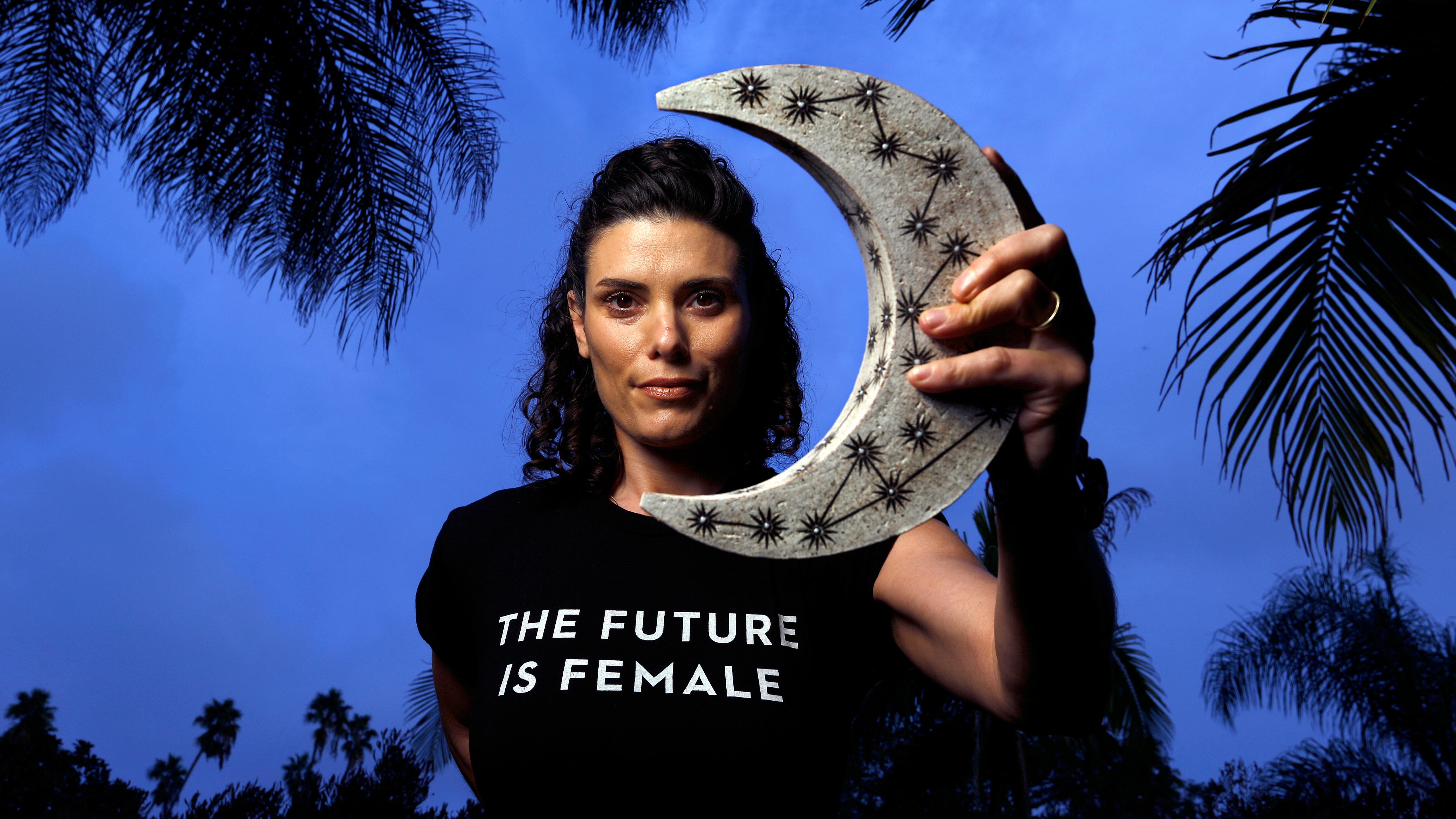 201402720 Chani Nicholas Horoscope: Meet Woman Bringing Social Justice to ...