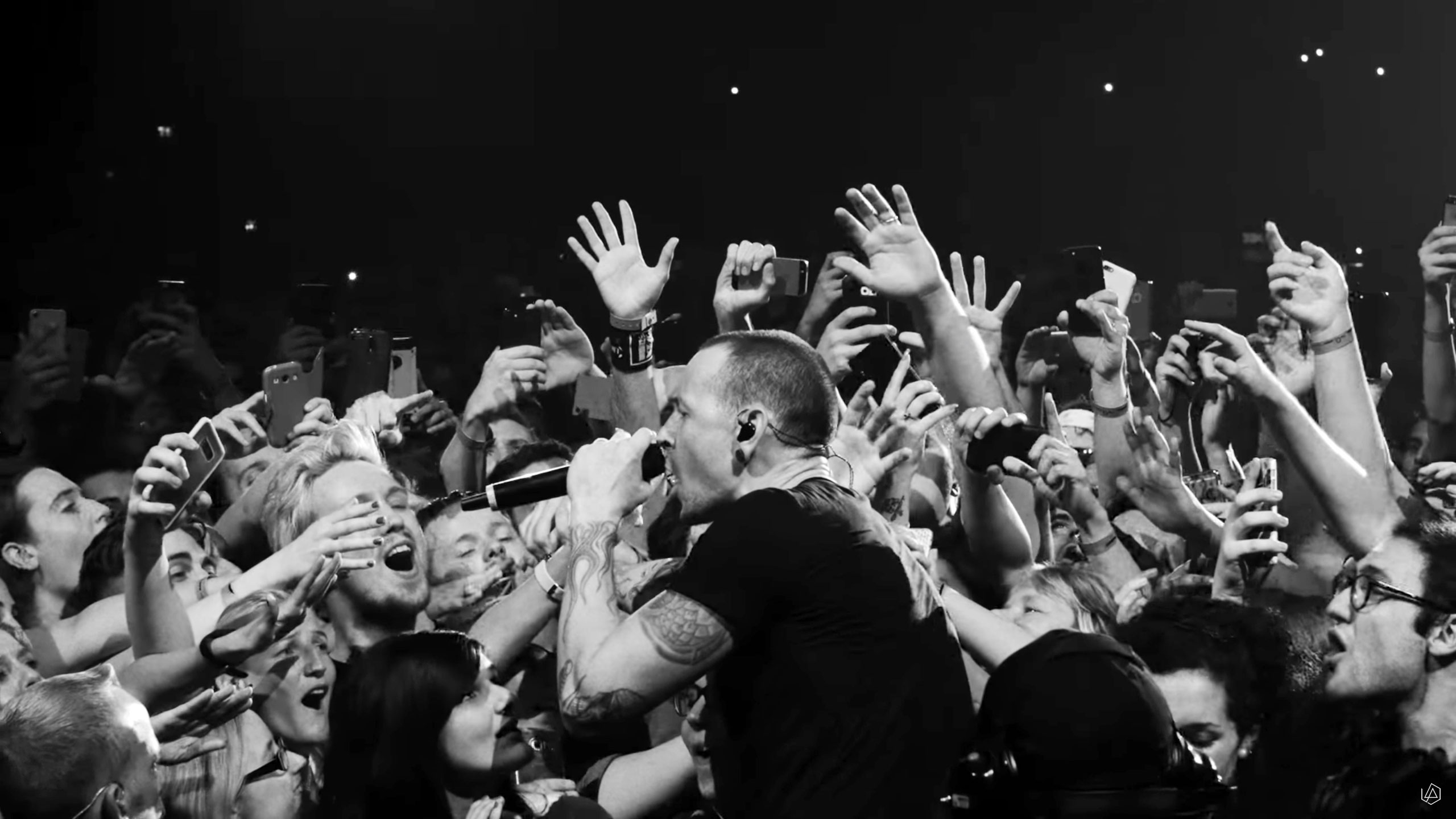 See Linkin Park's Poignant 'Crawling' From Live LP – Rolling Stone