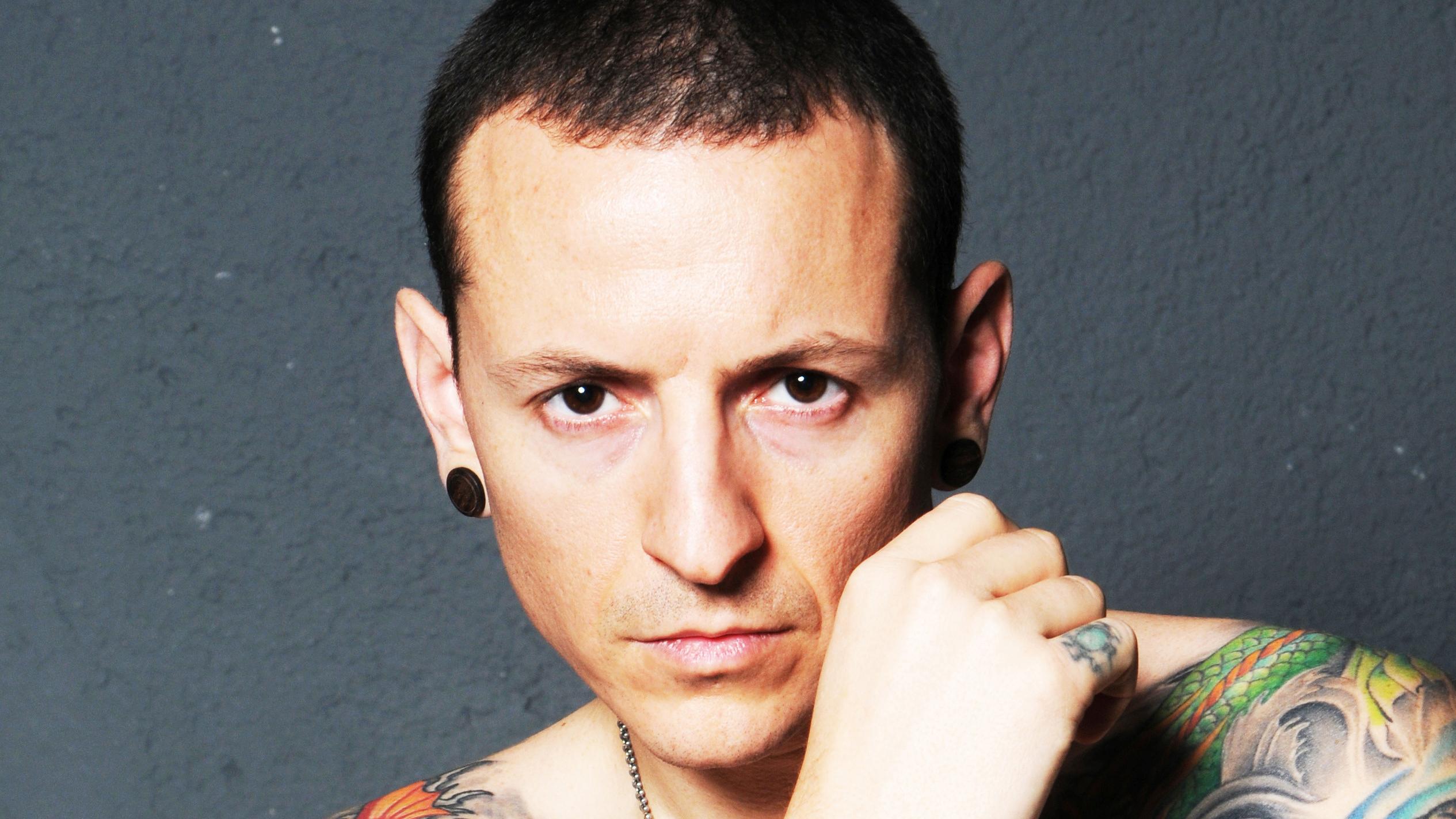 Inside Linkin Park Singer Chester Bennington S Last Days Rolling Stone