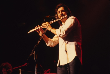 Ray Thomas, Moody Blues Flautist and Founder, Dead at 76 – Rolling Stone