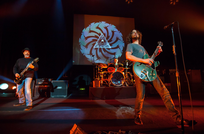 soundgarden pearl jam members reform temple of the dog rolling stone. Black Bedroom Furniture Sets. Home Design Ideas