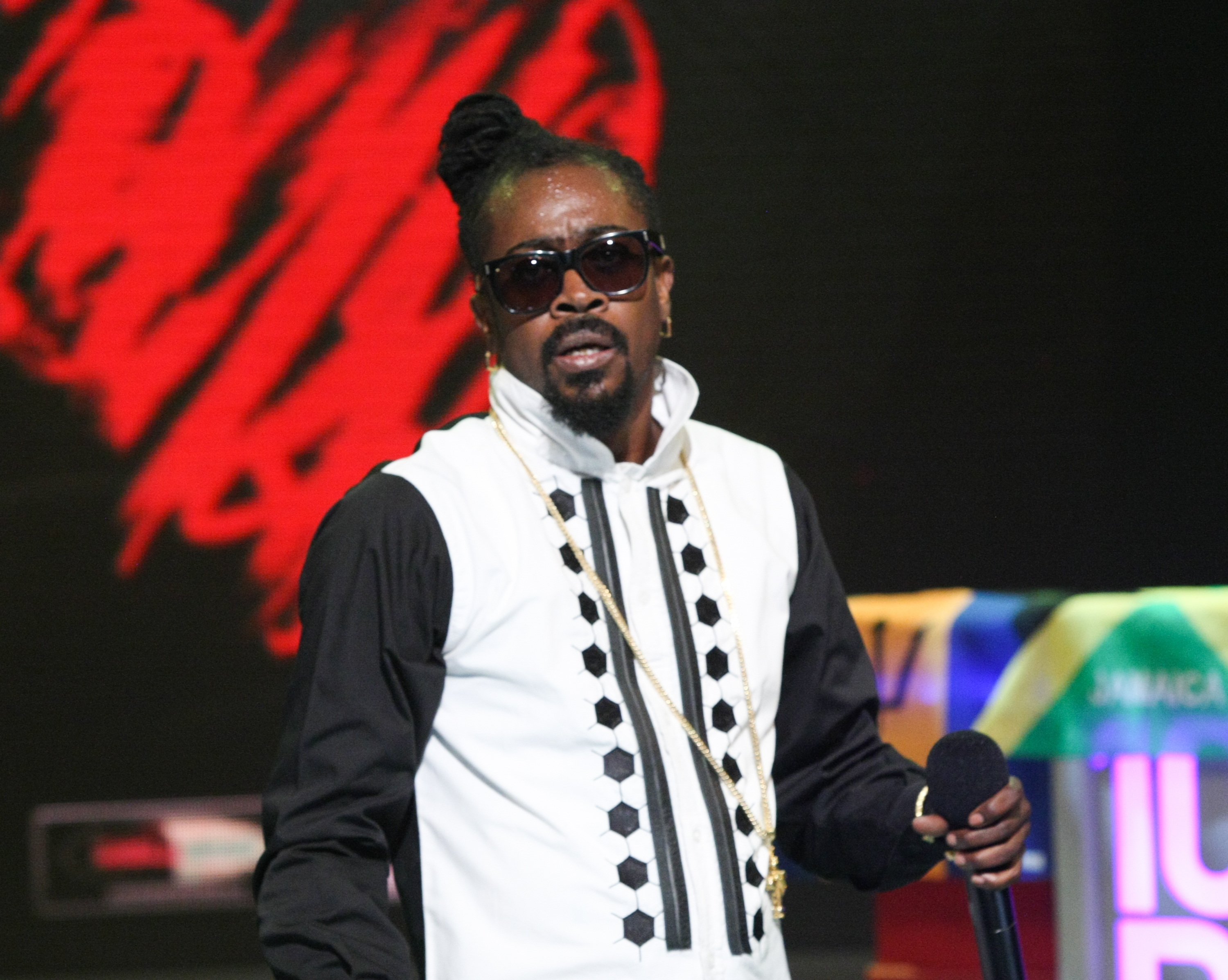 9871ce6022d Beenie Man Cancels OVO Fest Gig After Contracting Zika Virus – Rolling Stone