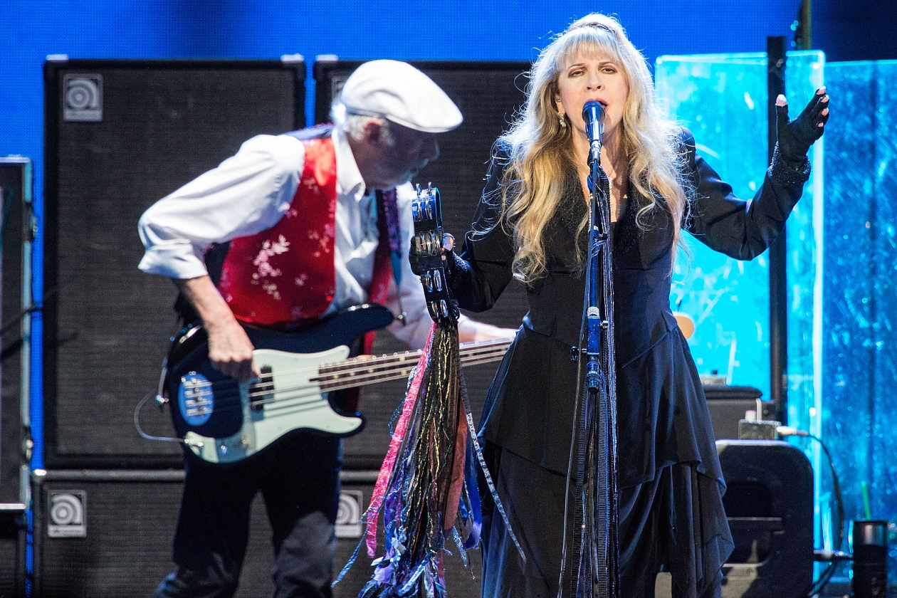 Fleetwood Mac 'On With the Show' Tour