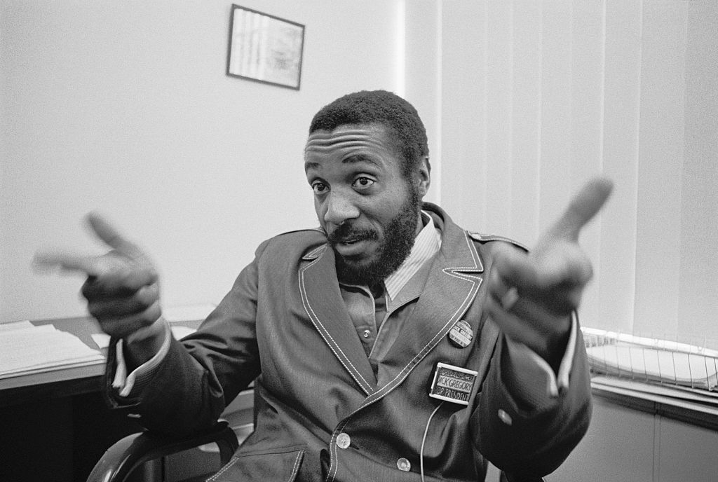 Dick Gregory, Comedian and Civil Rights Activist, Dead at 84 ...