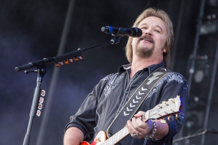 Travis Tritt Talks Twitter, Beyonce and Going Acoustic – Rolling Stone