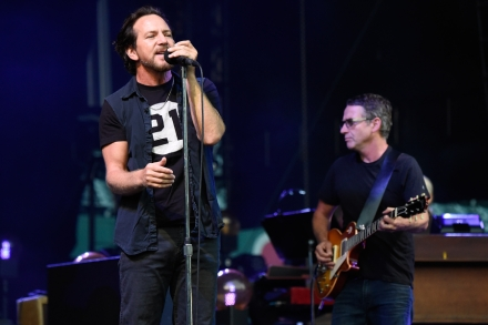 Pearl Jam Invite All Five Drummers to Rock Hall Induction – Rolling