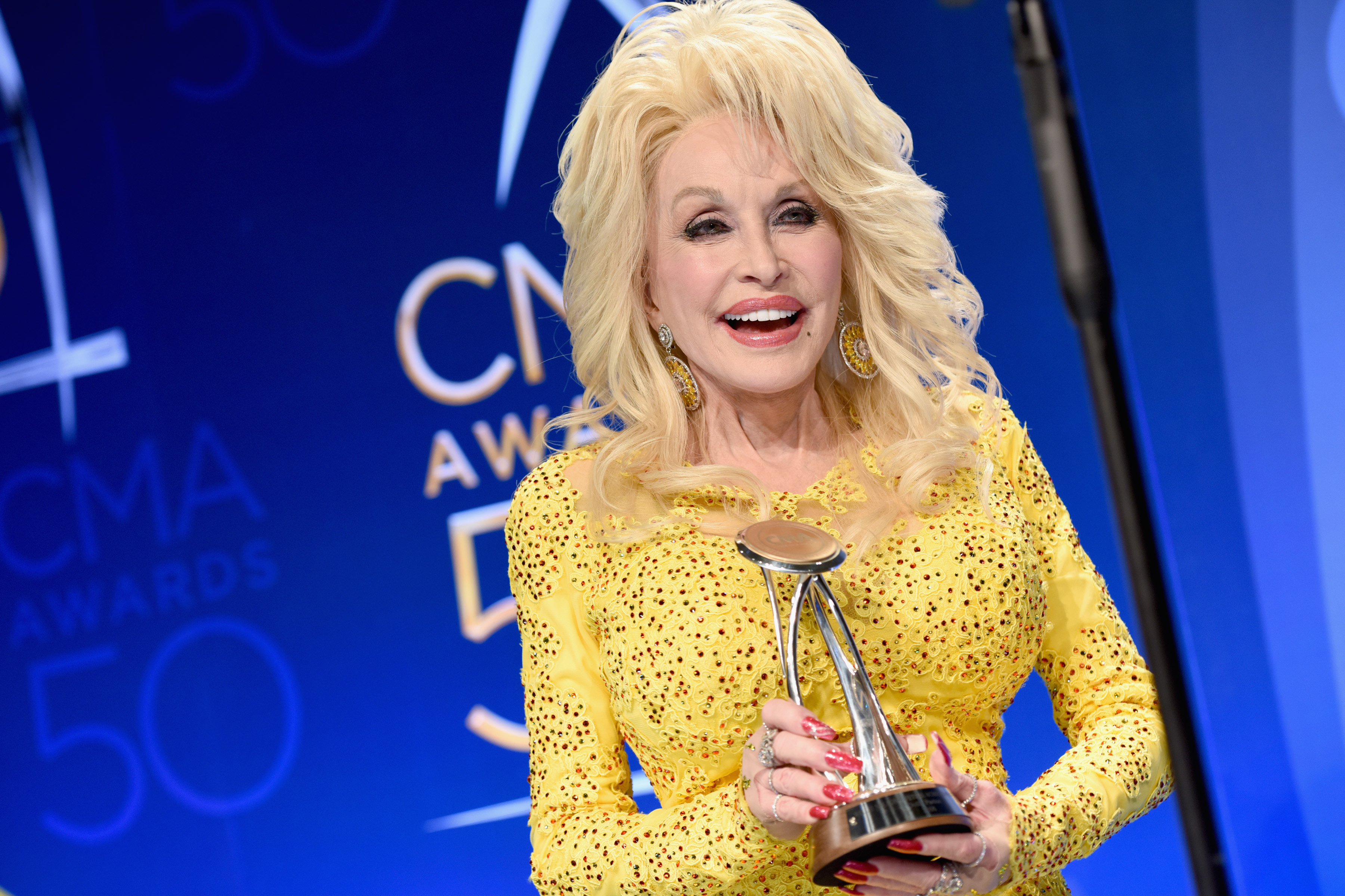 764fc752f Dolly Parton Talks Lifetime Honor, Tribute at CMA Awards – Rolling Stone
