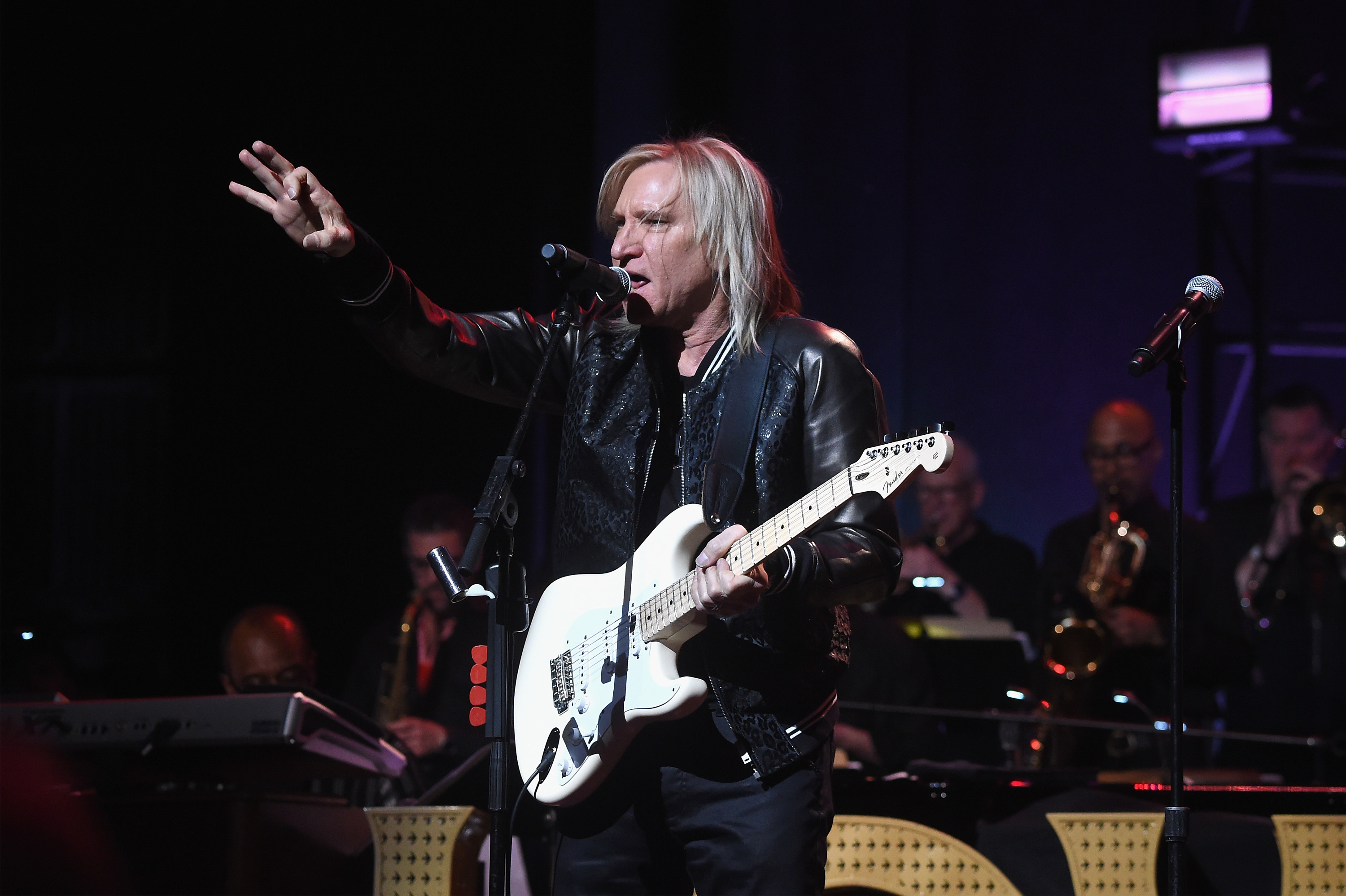 joe walsh launches new charity vetsaid announces all star show rolling stone. Black Bedroom Furniture Sets. Home Design Ideas