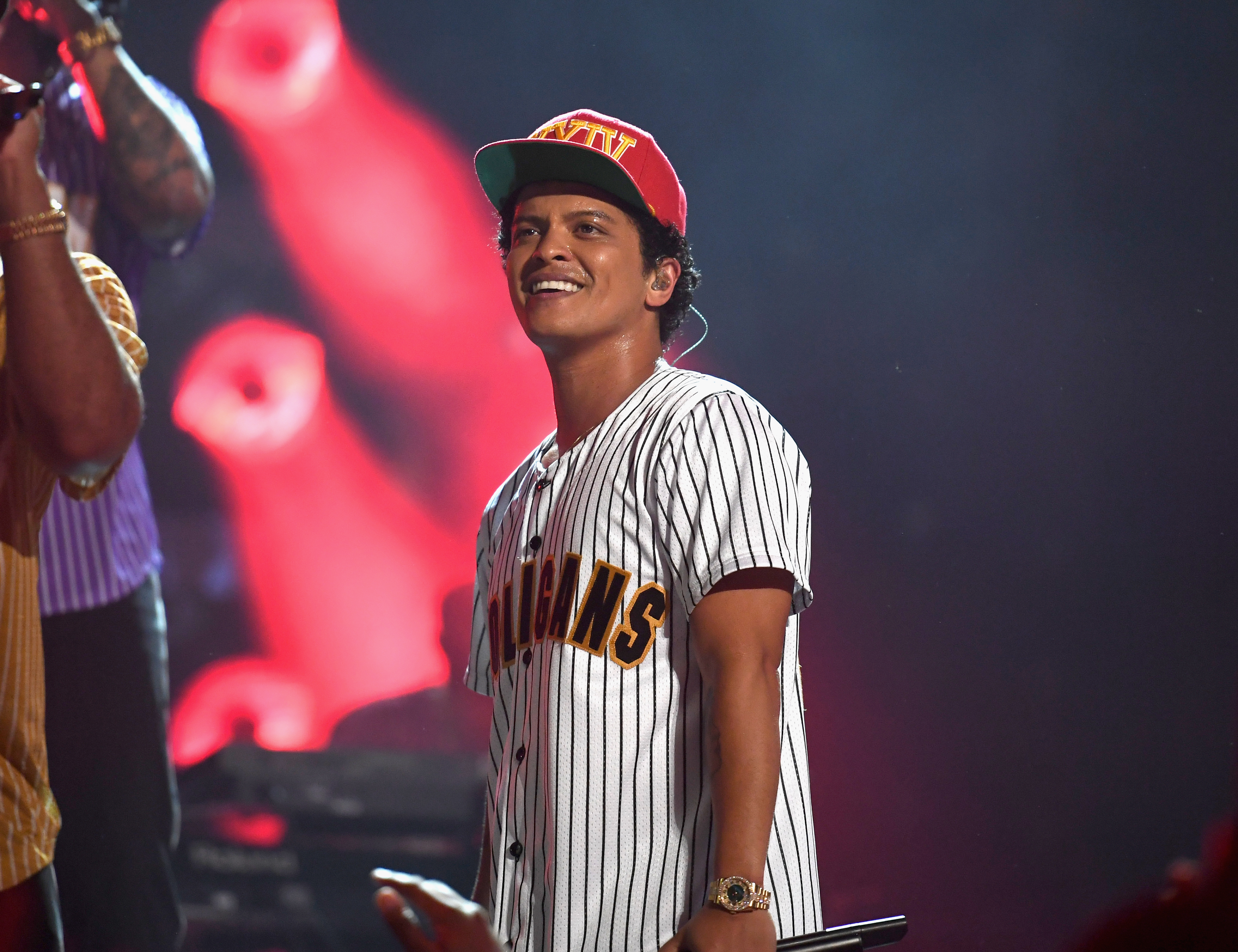 499f66128065 Bruno Mars Strips Down 'That's What I Like' on 'Charlie Rose' – Rolling  Stone