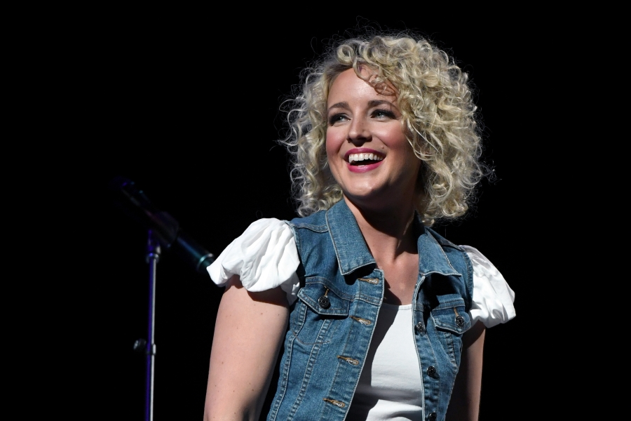 Country Singer Cam Joins Sam Smith's Thrill of It All Tour – Rolling