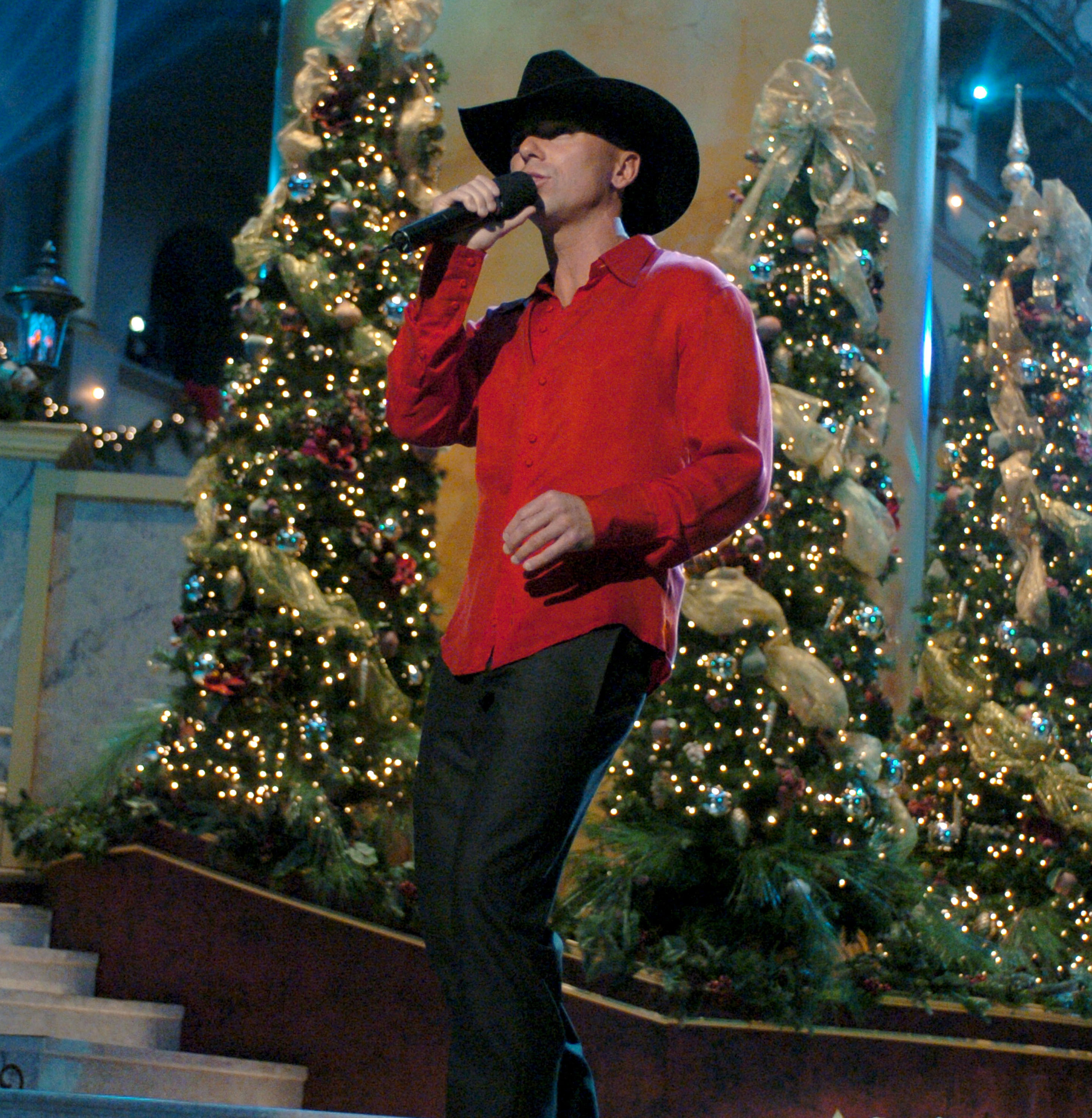 kenny chesney performs during the 2003 christmas in washington concert in washington dc - Christmas Country Songs