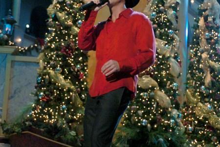 Brad Paisley Christmas.Country Christmas Songs Brad Paisley Kenny Chesney