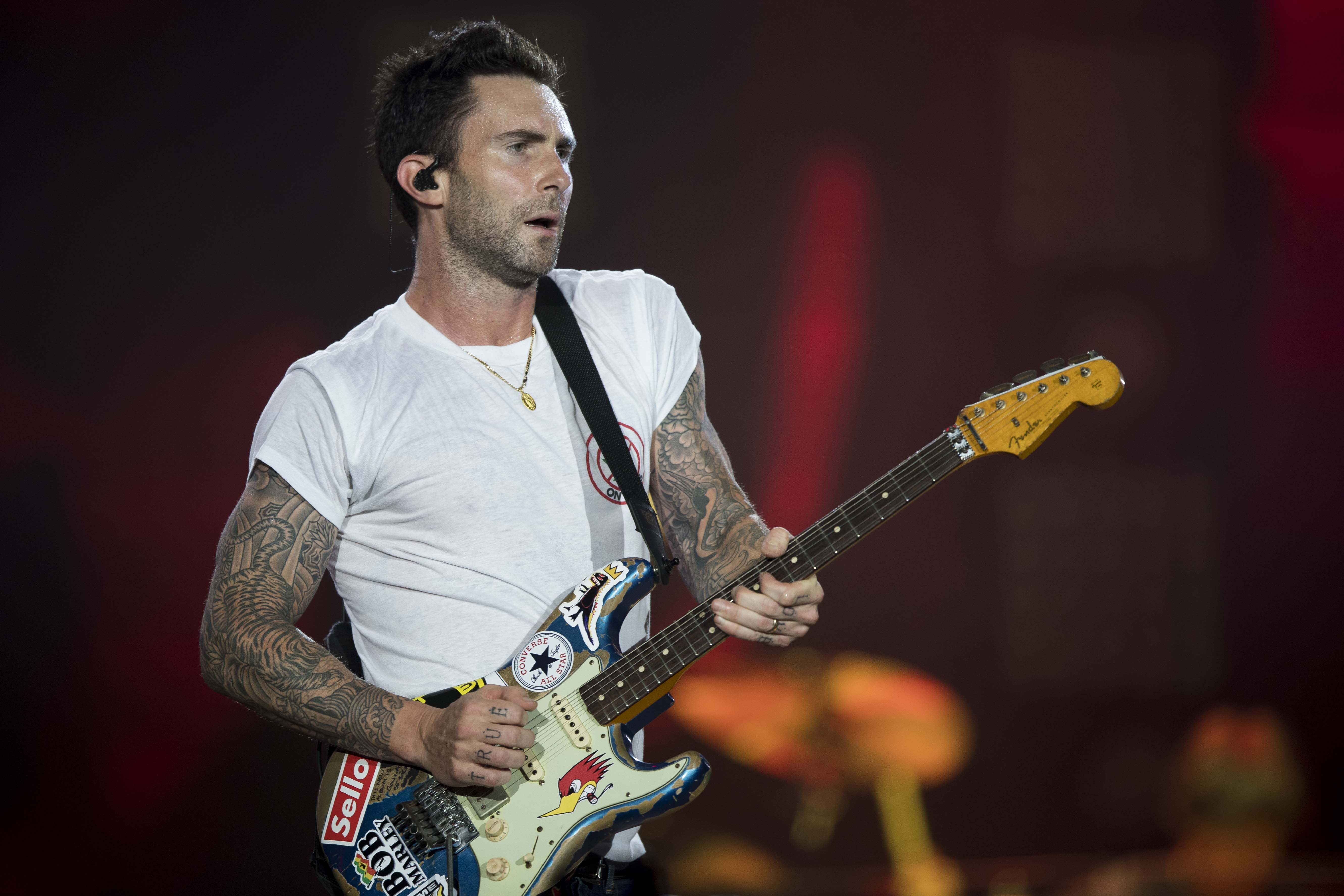 maroon 5 announce new 2018 tour dates rolling stone. Black Bedroom Furniture Sets. Home Design Ideas