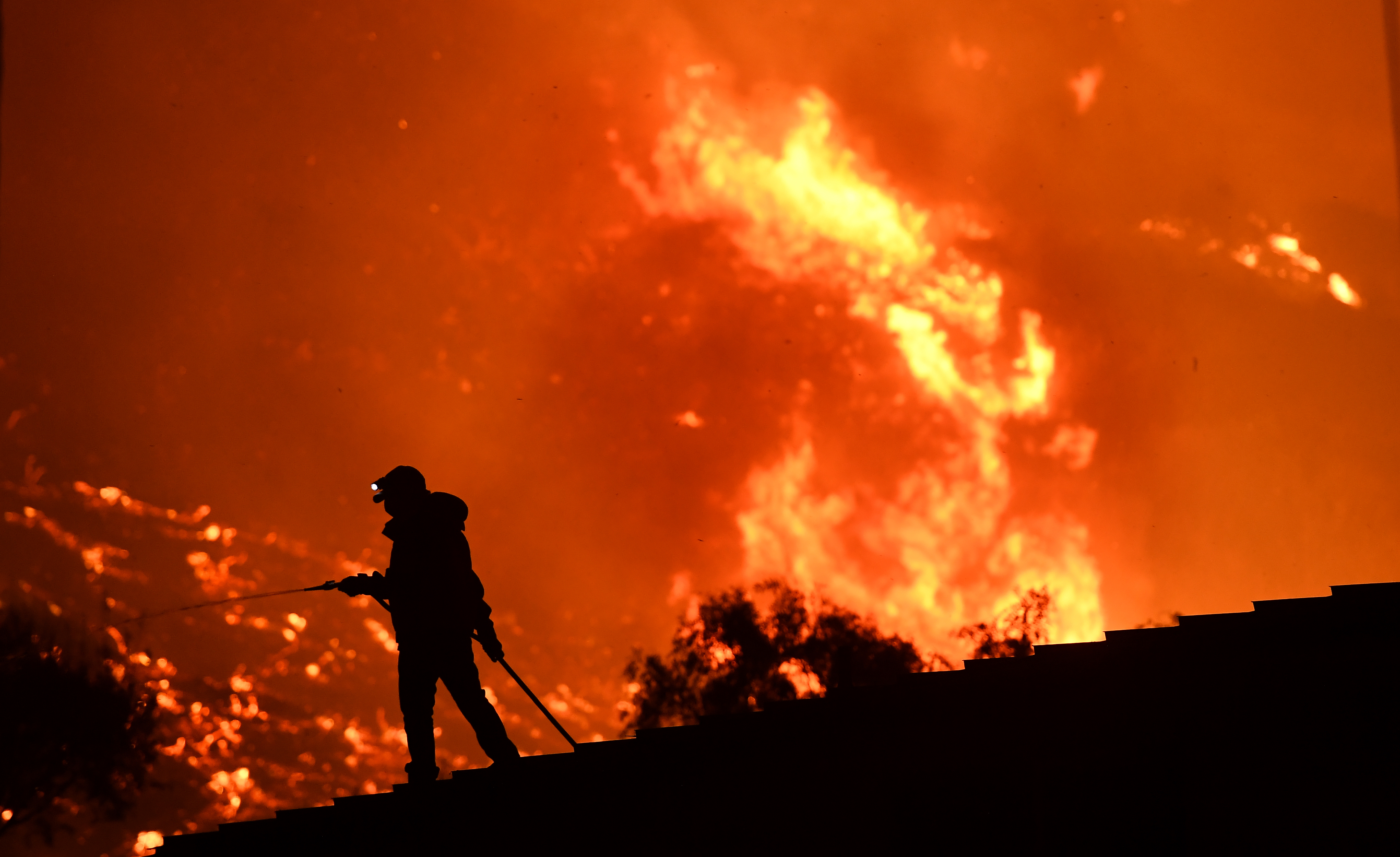 In Era When Hurricanes And Wildfires >> Southern California Wildfires Climate Change Emergency Rolling Stone