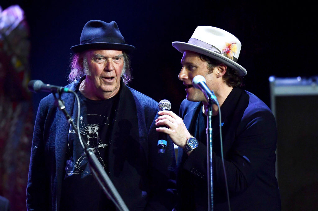 neil young jams with stephen stills the heartbreakers rolling stone