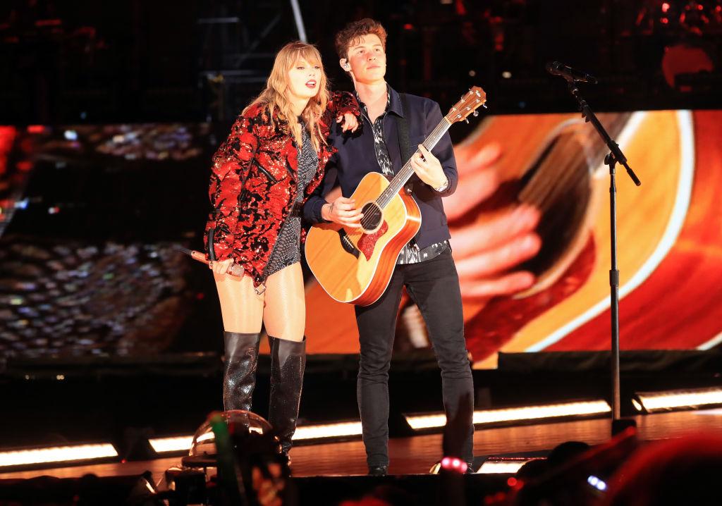 See Taylor Swift Bring Out Shawn Mendes at Rose Bowl ...