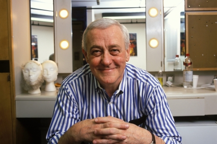 John Mahoney, 'Frasier' Actor, Dead at 77 – Rolling Stone