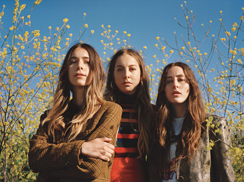 พี่น้อง: Este Haim, Danielle Haim และ Alana Haim