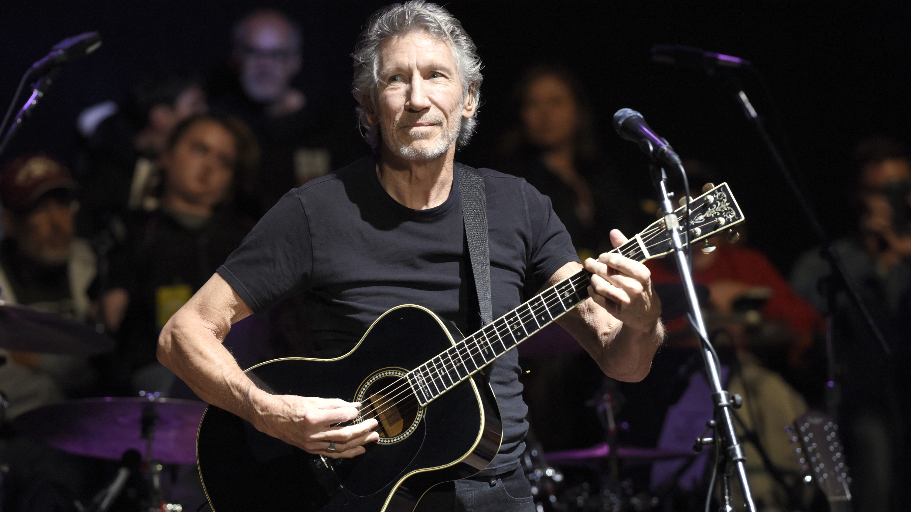 hear roger waters tap pink floyd sound on smell the roses rolling stone. Black Bedroom Furniture Sets. Home Design Ideas