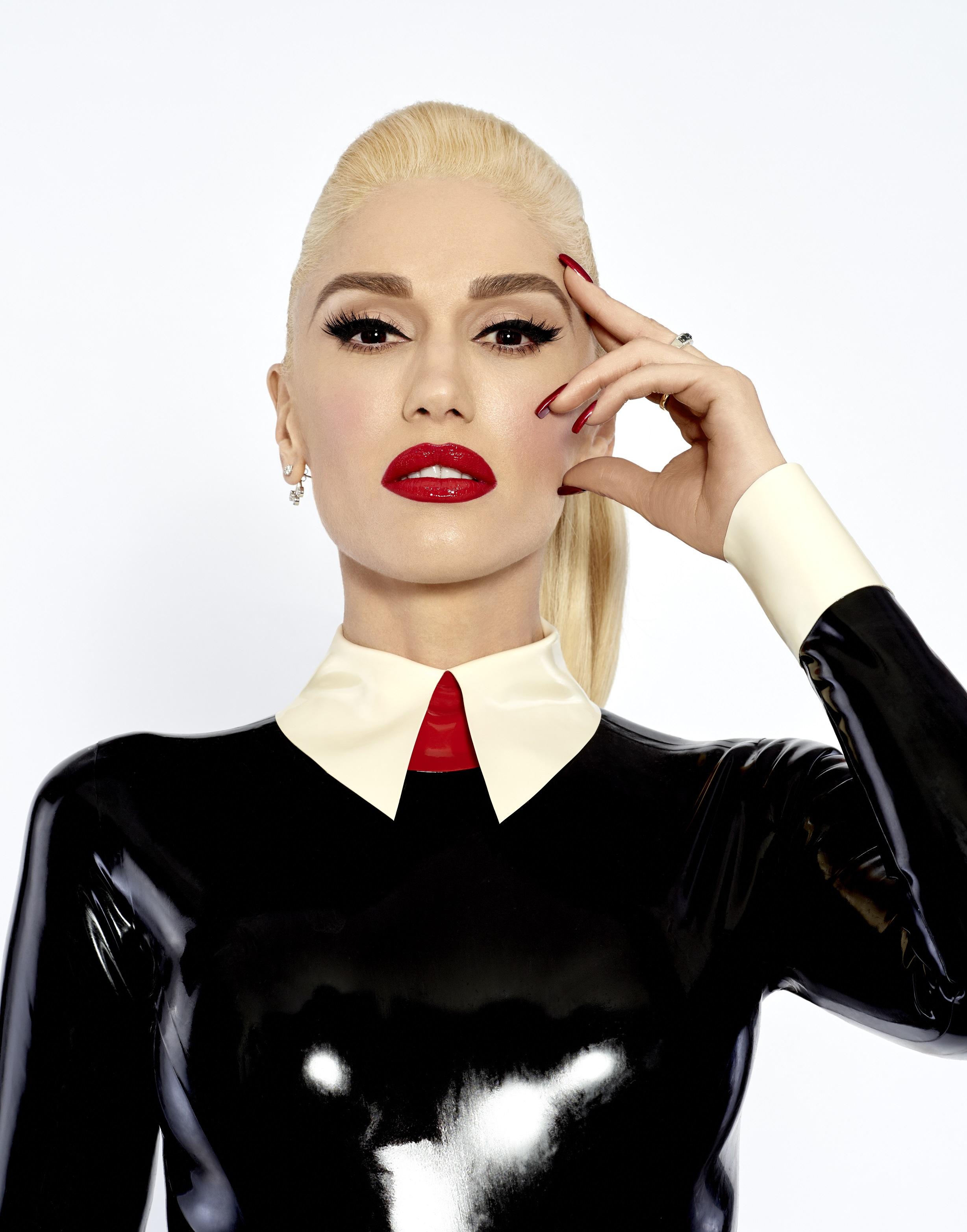 Gwen stefani dating 2019