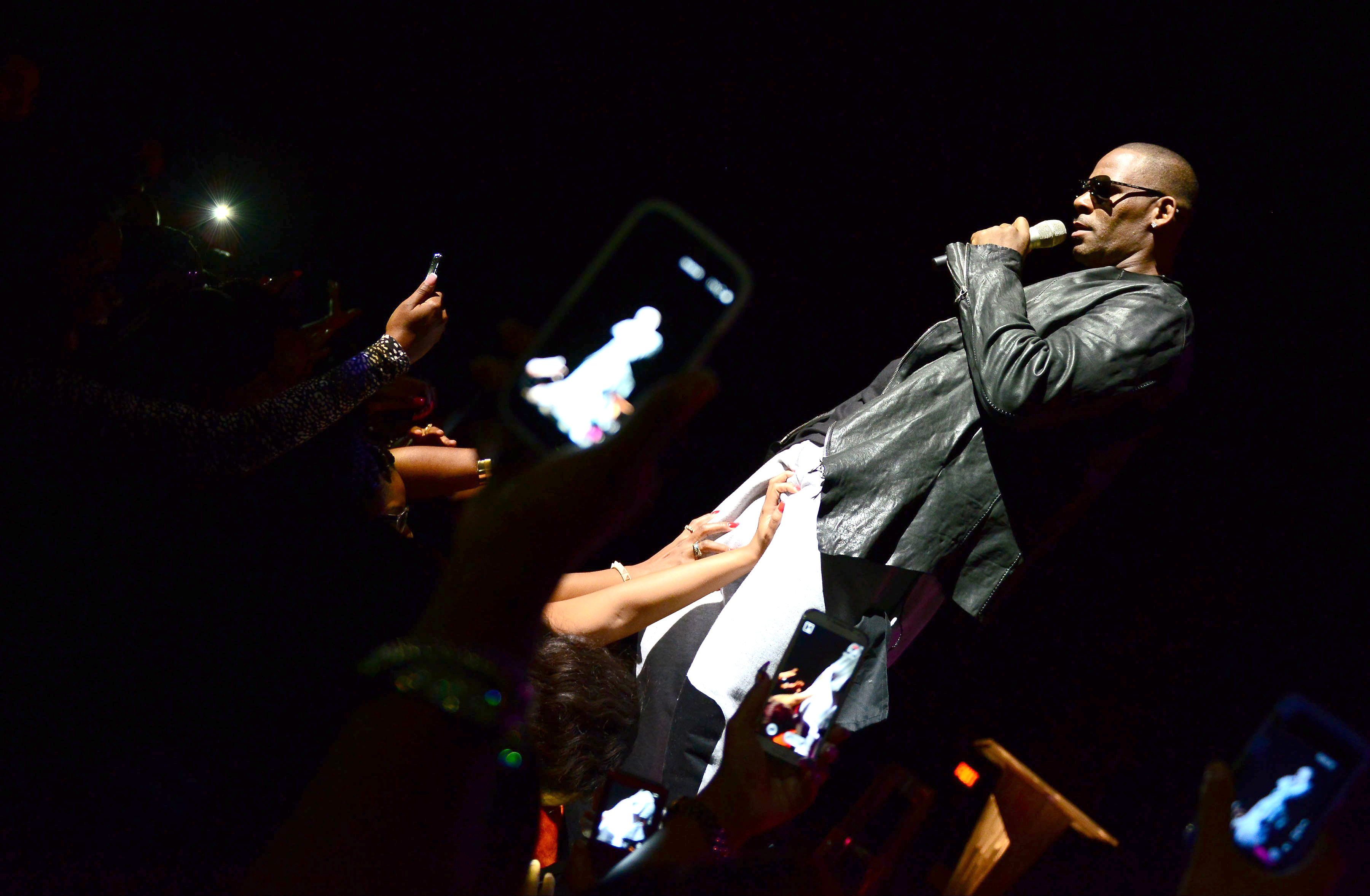 Surviving R Kelly Former Girlfriend Alleges Abuse – Rolling Stone