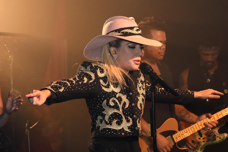 Lady Gaga Previews Joanne At Nashville Dive Bar Takeover Rolling