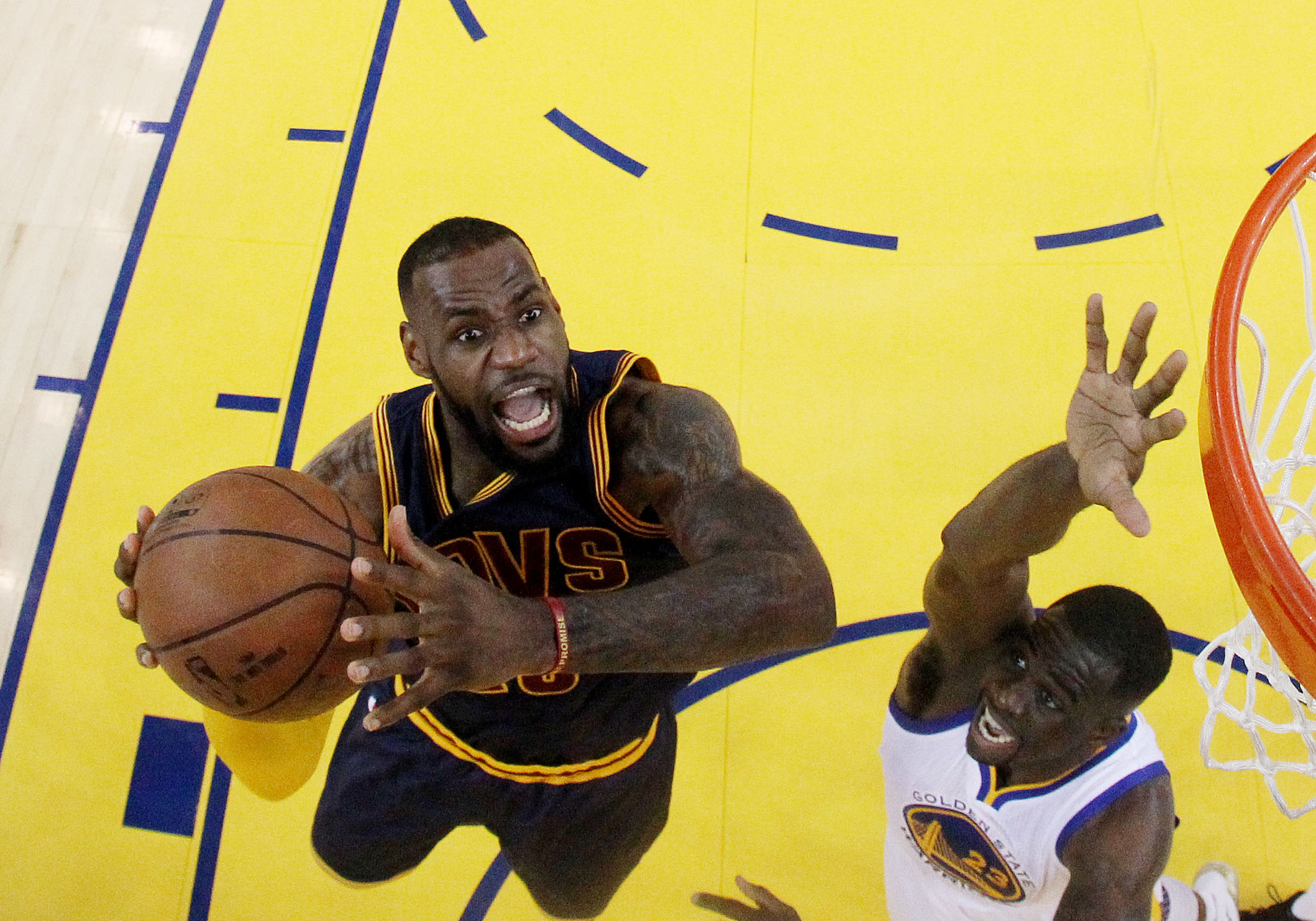 cdb8a3aa241c LeBron James Signs  100 Million Deal With Cavs