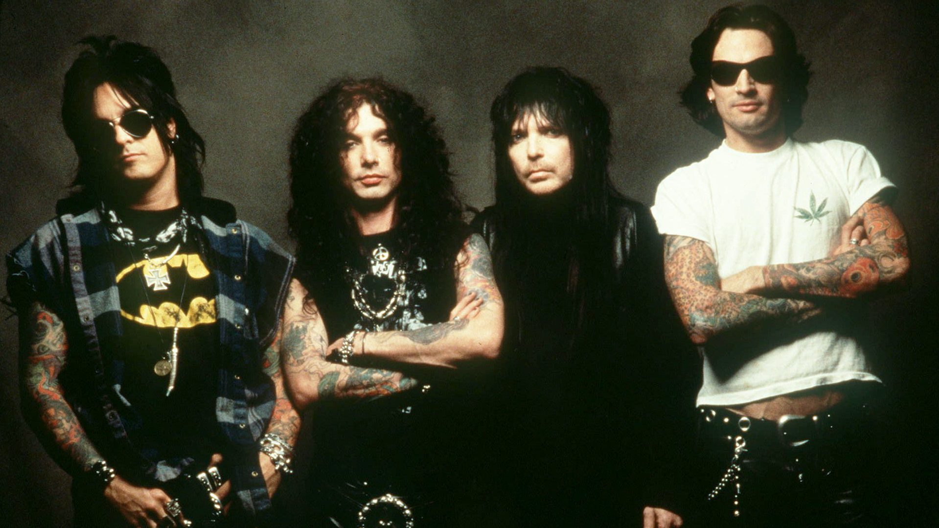 Motley Crue o Native Tongue??? Motley-crue-perform-85ad9218-b00a-402b-b200-f0ebd87e85fe