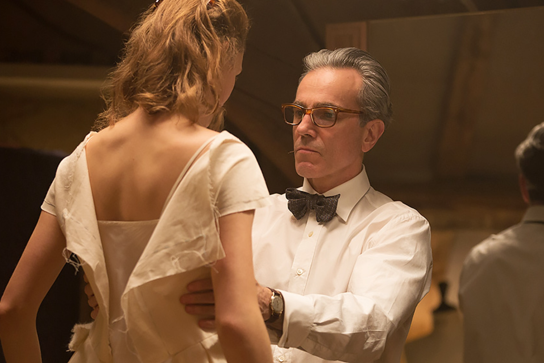 Peter Travers Phantom Thread Is A Pitch Perfect Ode To Obsession Rolling Stone