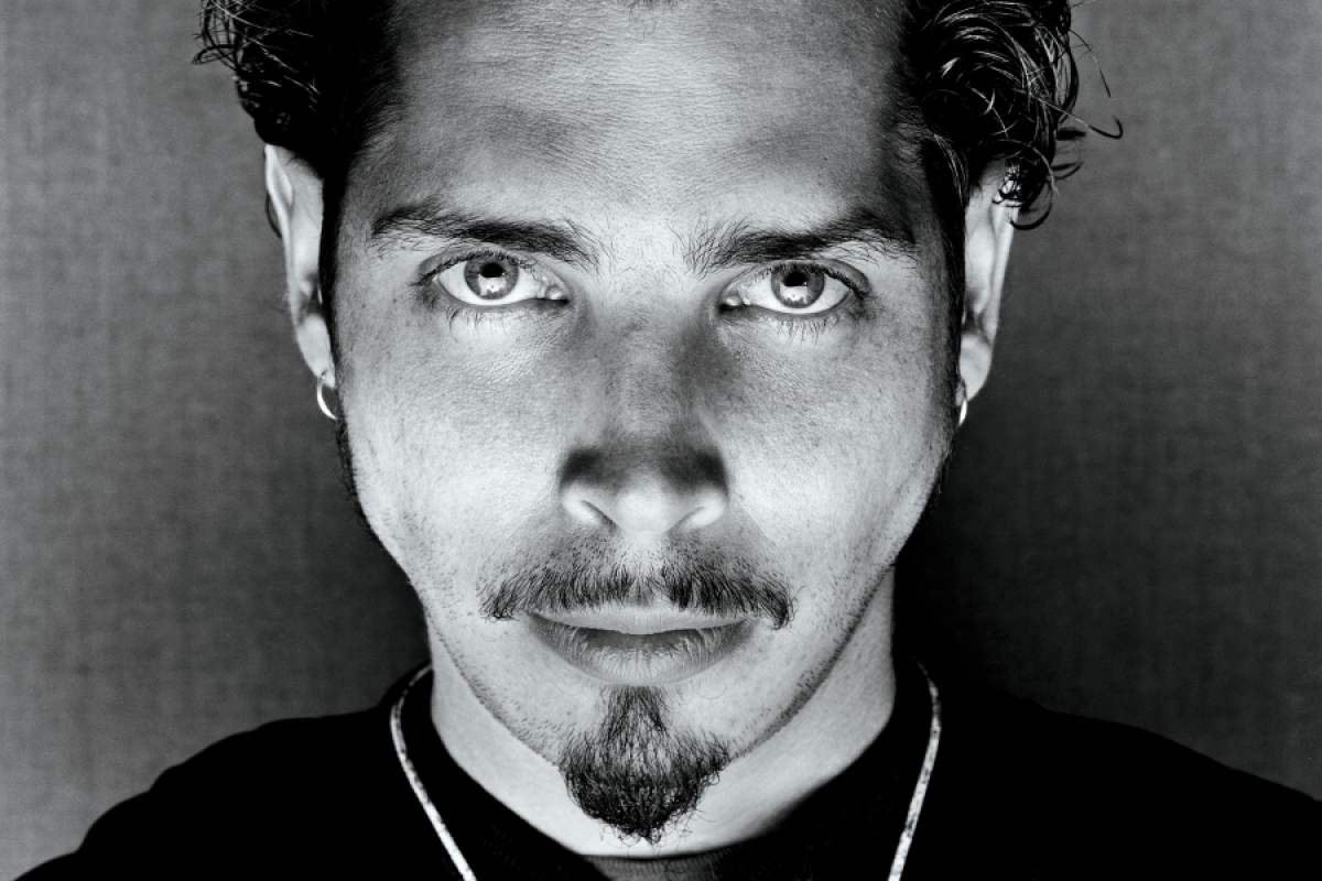 Wave goodbye: Chris Cornell forever - Página 8 R1289_fea_cornell_a-c8f5ec1b-7823-4cf3-8d90-a6efb330d280
