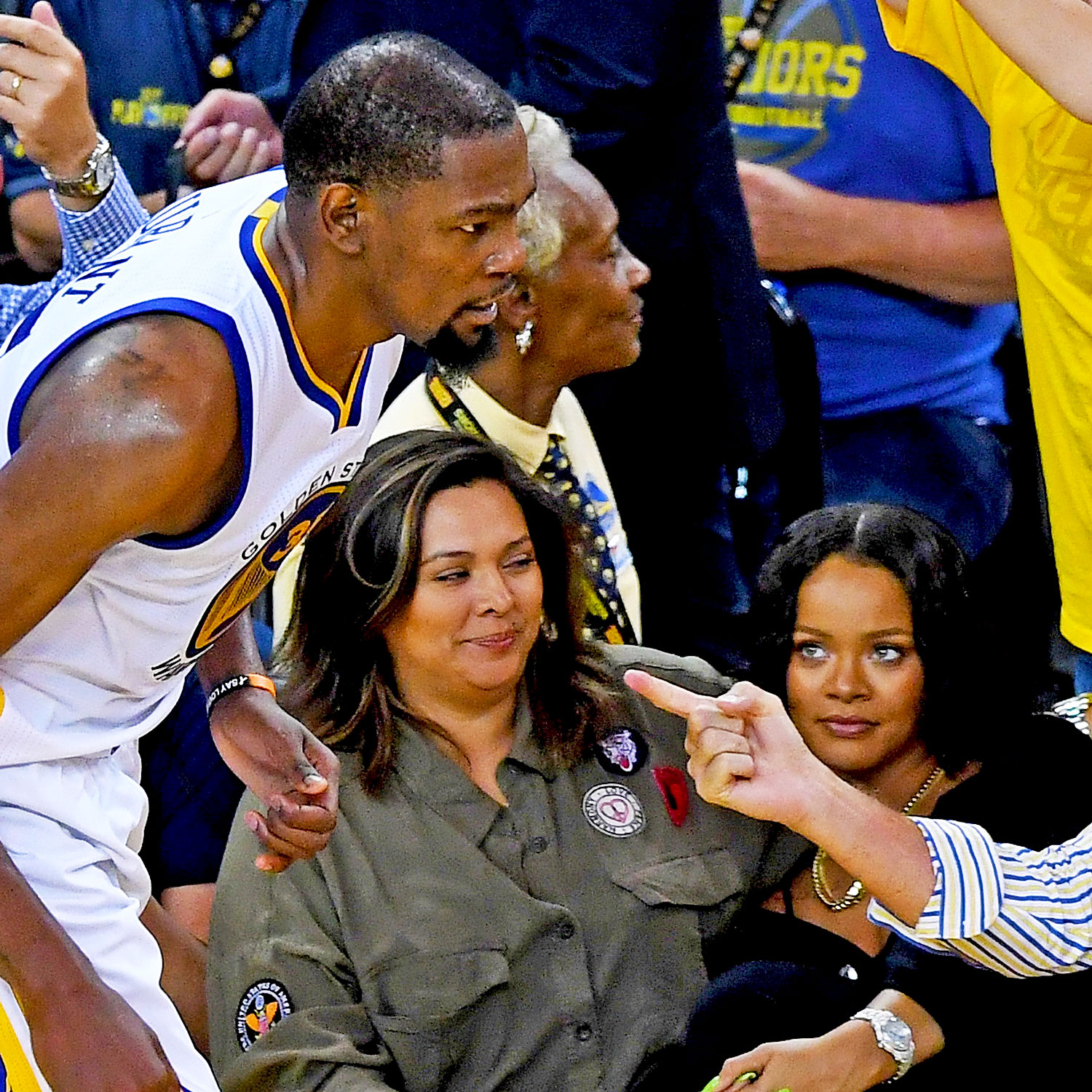 Warriors New Stadium Seat License: Rihanna: 15 Iconic Moments From Superstar