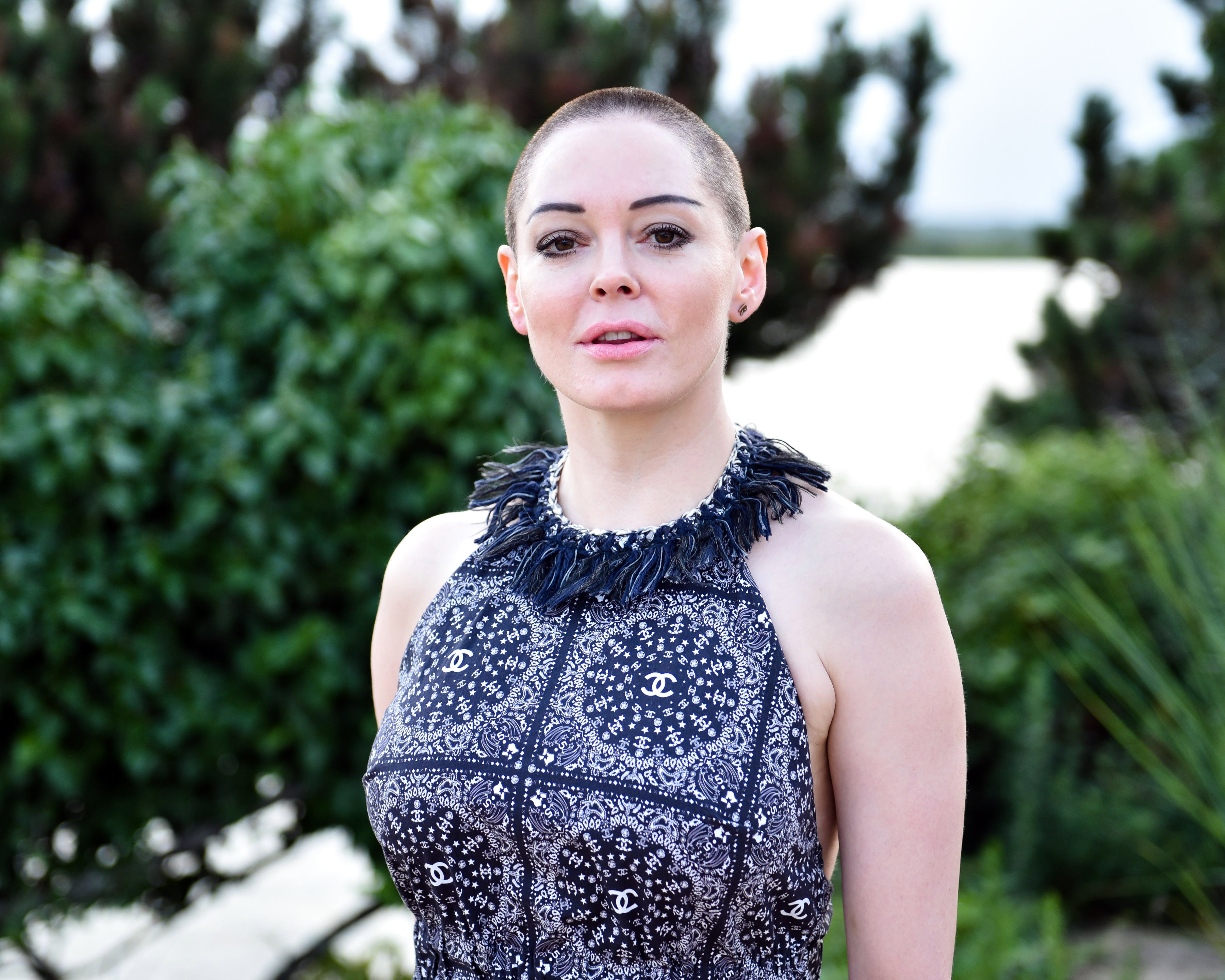 Rose Mcgowan Takes On Hollywood Harvey Weinstein Sexual Assault Rolling Stone