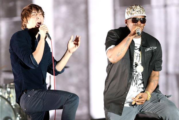 Coachella 2013: Phoenix Bring Out R. Kelly for Triumphant Headlining Set