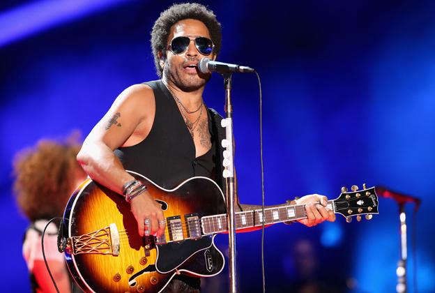 Lenny Kravitz Struggles at Surprise CMA Fest Appearance