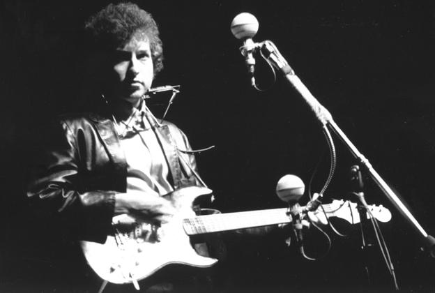 Bob Dylan's 1965 Newport Folk Festival Electric Guitar Going to
