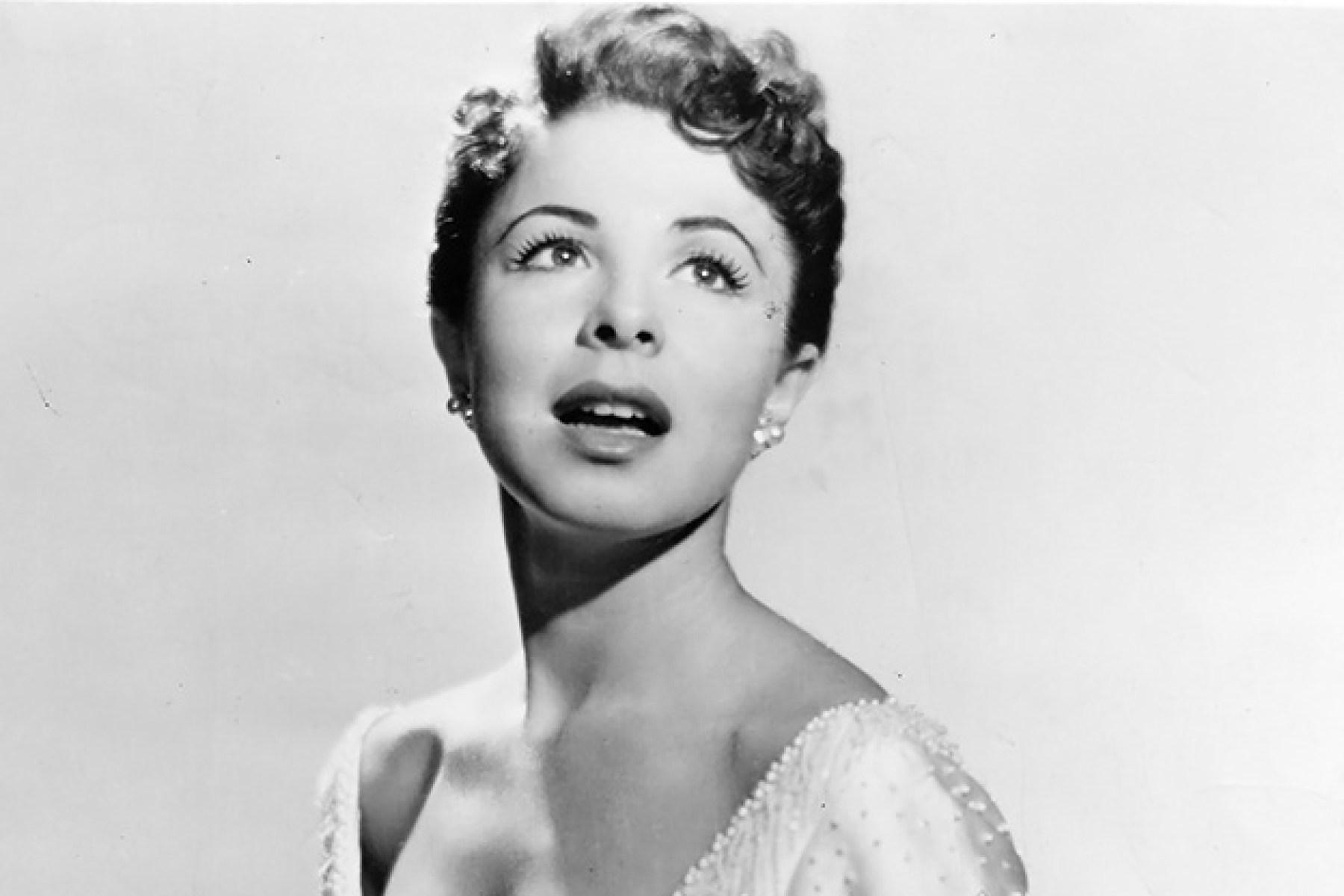Eydie Gorme, 'Blame it on the Bossa Nova' Singer, Dead at 84 - Rolling Stone