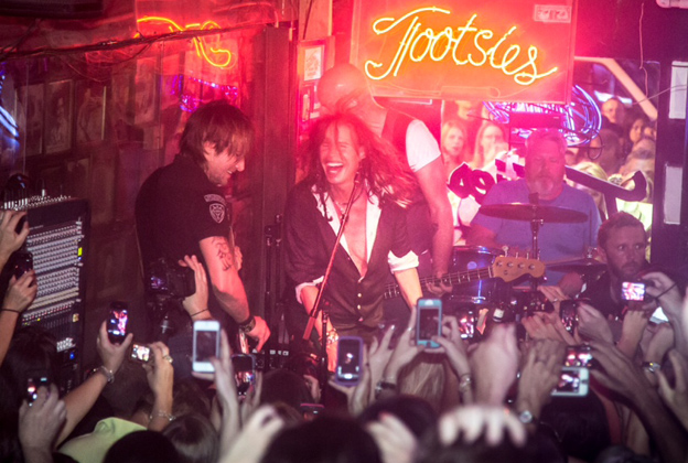 Keith Urban Jams With Steven Tyler at Nashville Honky Tonk