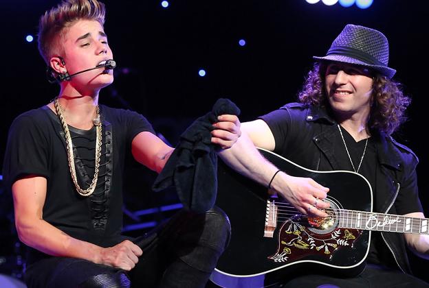Justin Bieber's Musical Director Dan Kanter Jams With Bob Weir