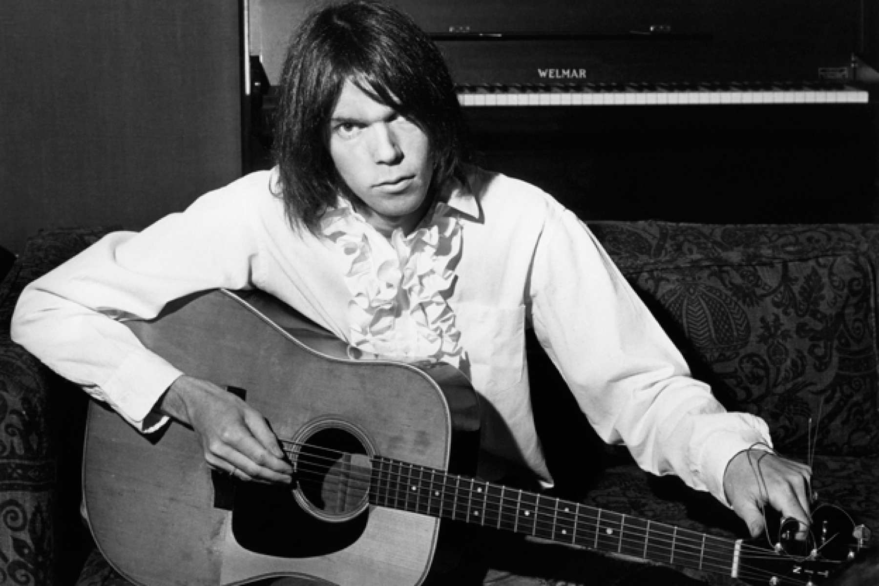 Neil Young Releasing 1970 'Cellar Door' Concerts - Rolling Stone