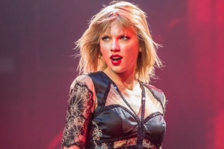 New Taylor Swift Song 'Sweeter Than Fiction' Surfaces – Rolling Stone