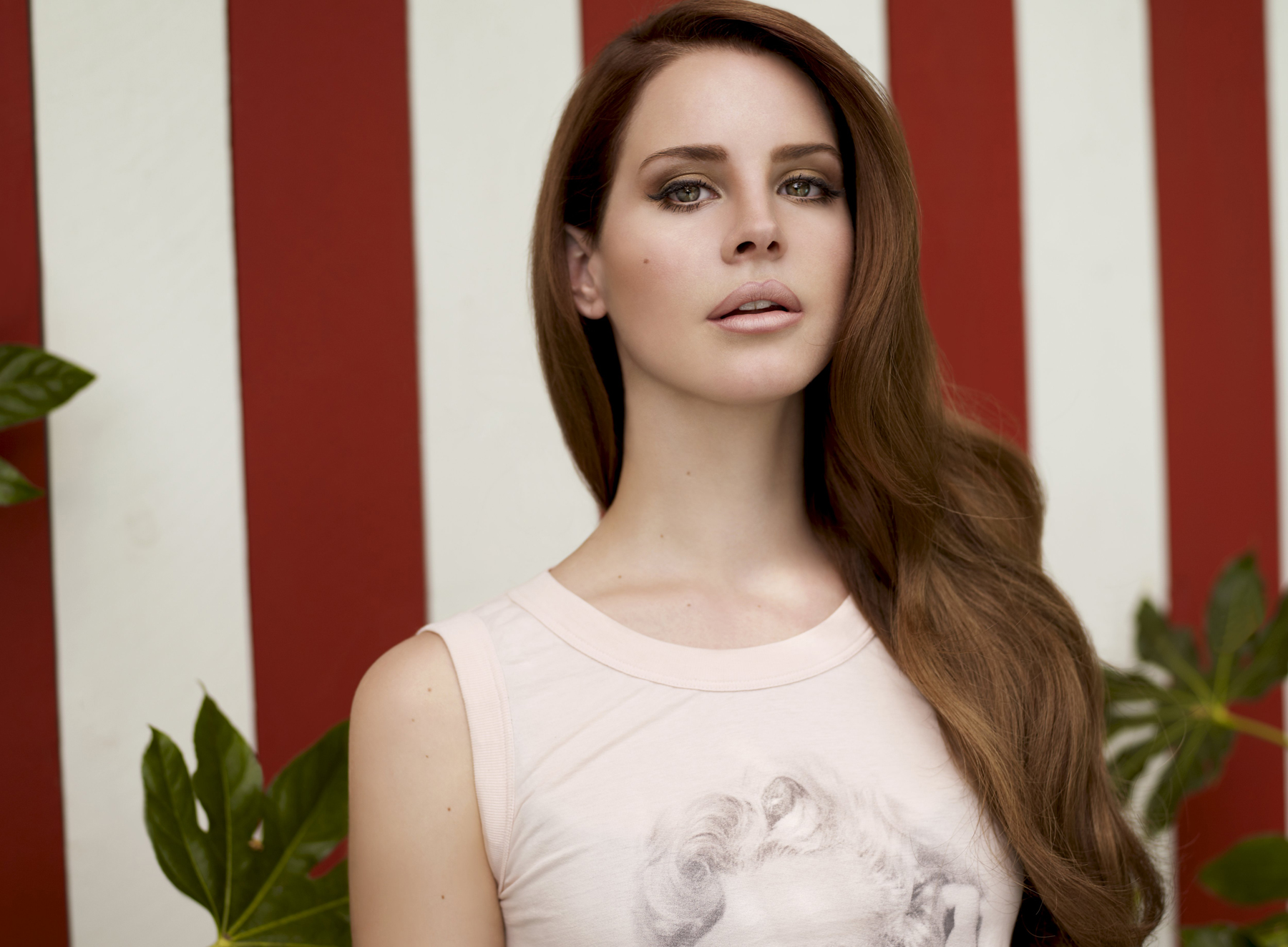Lana Del Rey's New Album Is Called 'Ultra-Violence'