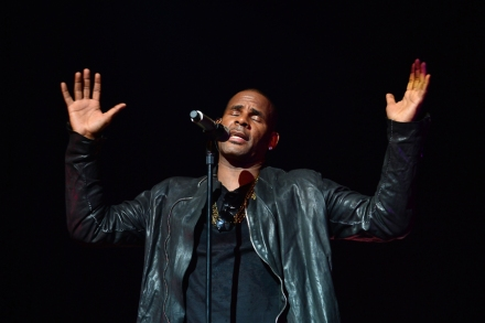 R  Kelly Working on a 'Love-Making' Christmas Album