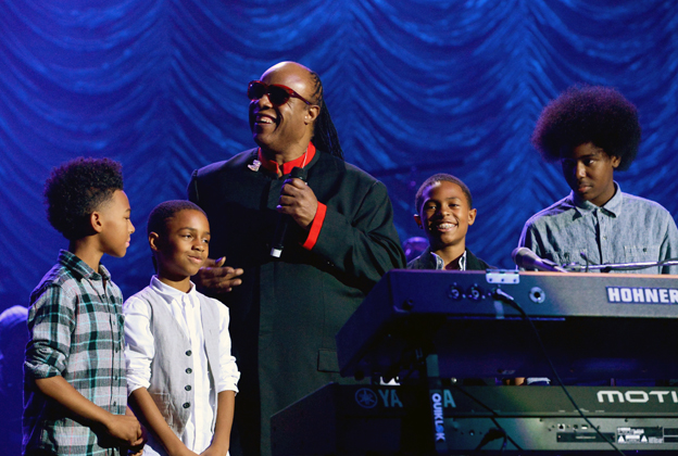 Stevie Wonder Recreates 'Songs in the Key of Life' for Holiday Benefit